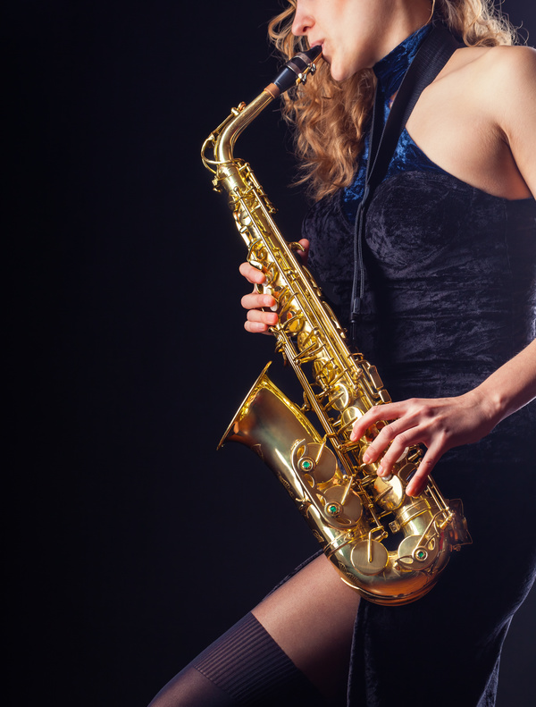 A vacancy for female saxophonist